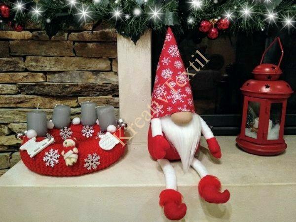 Hópelyhes karácsonyi manó lábakkal