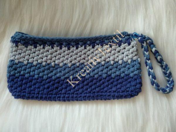 Horgolt kék piperetáska