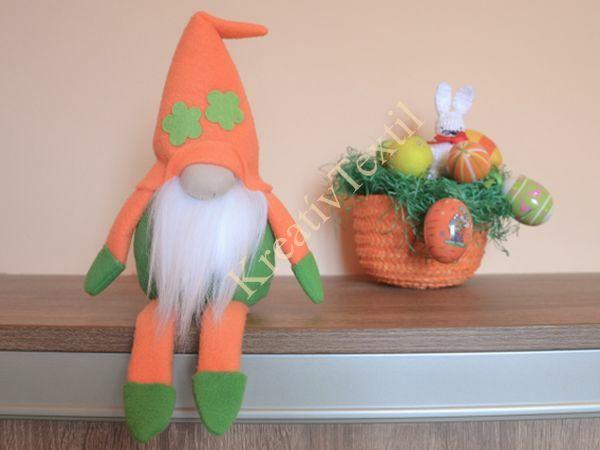 Narancs-zöld tavaszi fiú manó lábakkal