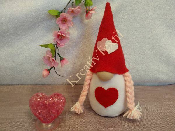Valentin lány manó02